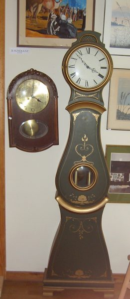 Grindinis laikrodis   h-1900  Siėninis  340×570